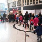Julskyltning av LEGO skapade köer i Skärholmens Centrum