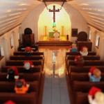 Enskede kyrka kyrksalen i LEGO