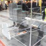 Citybanans modell av lego i en glasmonter på T-Centralen
