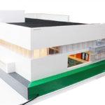 Bremlerbricks LEGO-modell av Järfälla simhall på uppdrag av Tagehus