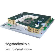 Exteriörmodeller av LEGO visar Högstadieskola