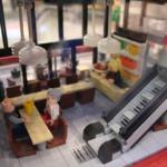 Skrapan – Restaurang Interiör av LEGO