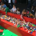 Många barn byggde Stockholms Kaknästorn i LEGO under 50 års firandet